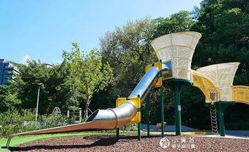 台北士林|50年天母公園遊戲場大改造!豐富遊具、環境清幽,彷彿到歐洲的森林裡玩耍